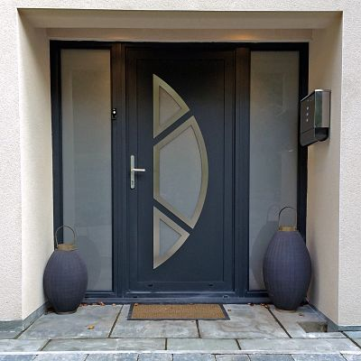 Aluminium front doors marlin windows keighley yorkshire for Residential main door design