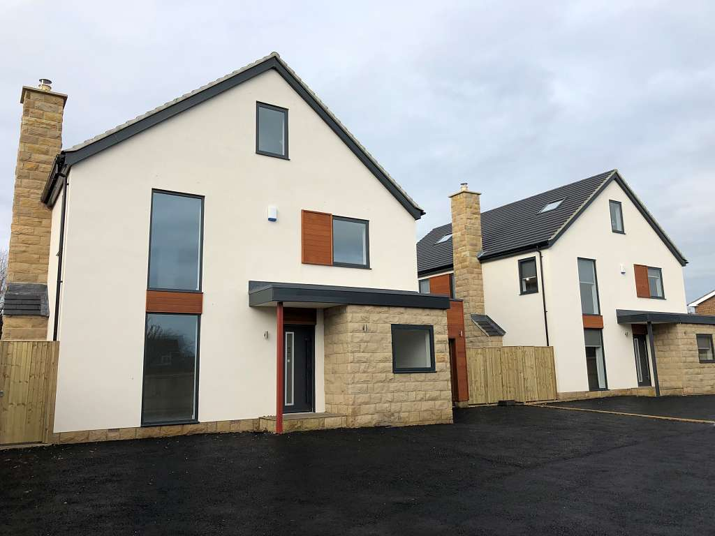 Alitherm 800 windows and Eco Futural windows & doors installed at new build property development in Leeds
