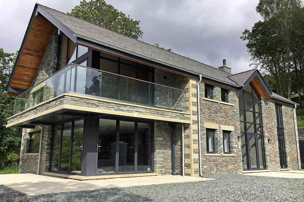 Smart MC curtain wall feature glazing installed at Lake Windermere in Cumbria